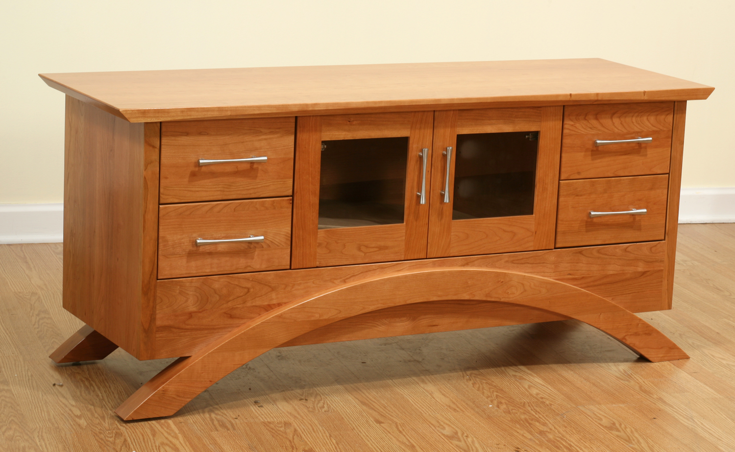 Gateway Collection Media Cabinet/Entertainment Center